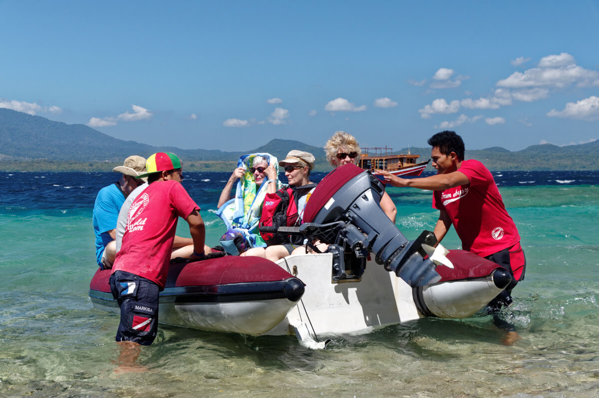 Guests Tender boat