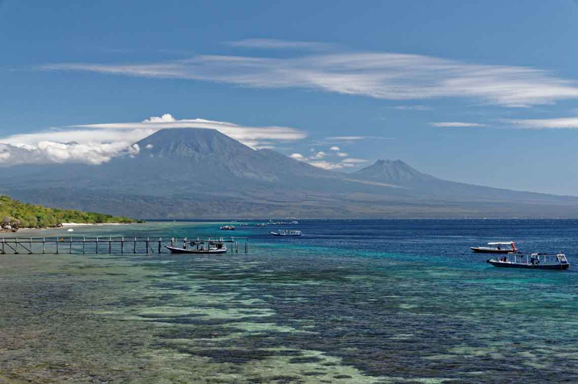 Volcano Indonesia distance