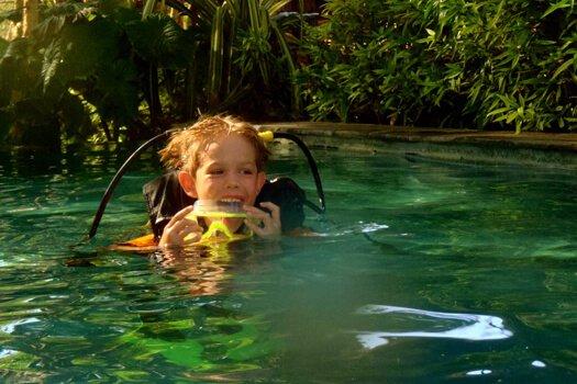 kid prepare scuba