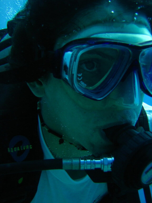Diving Wearing Contact Lenses