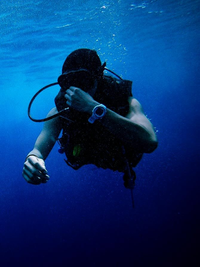 Vomiting while scuba diving is it possible?