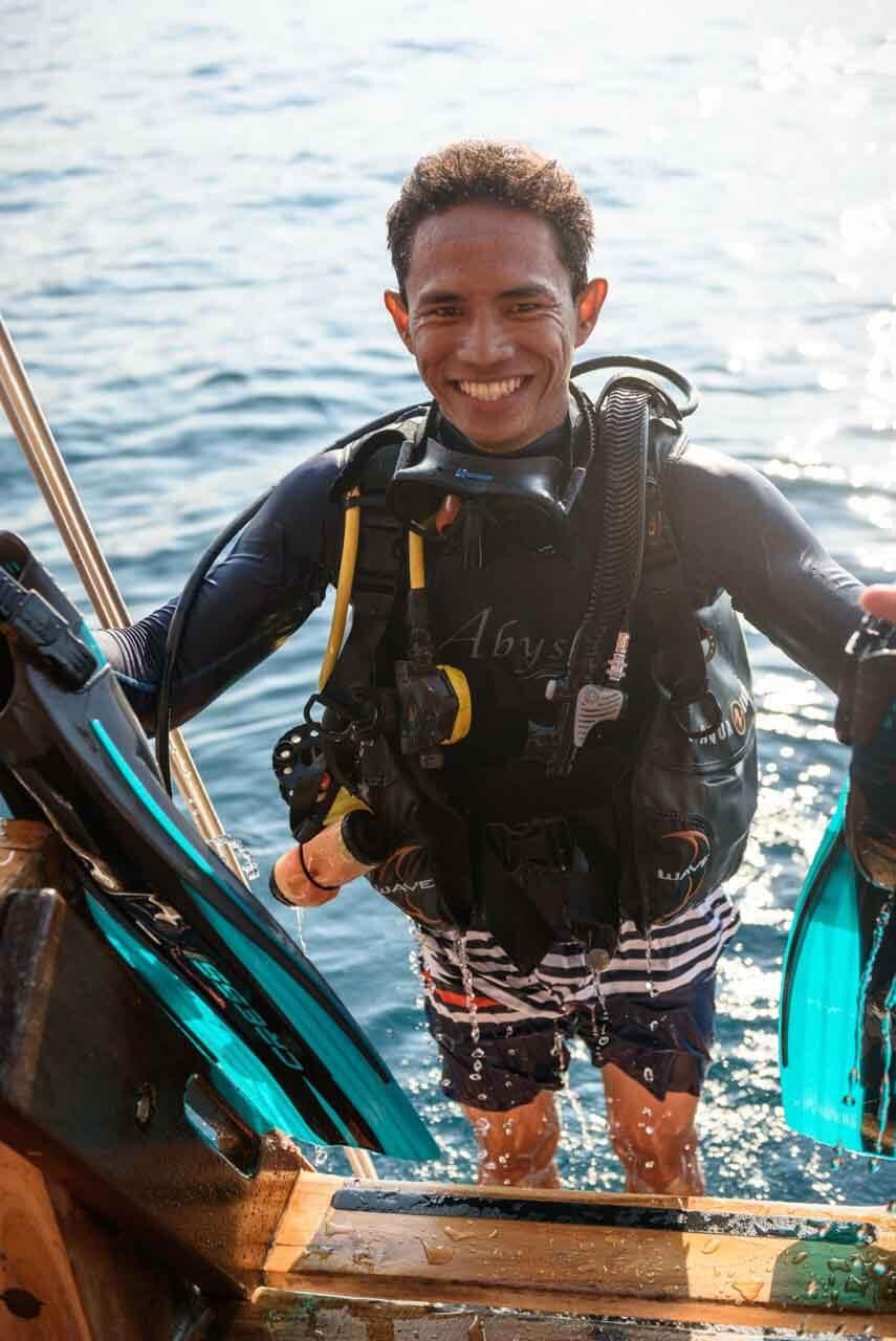 Liveaboard Safari Dive - Abyss Ocean World