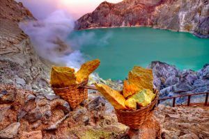 Ijen volcano - turquoise lake and sulphur
