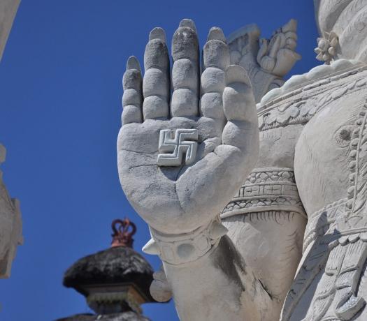 Ganesha Swastika statue
